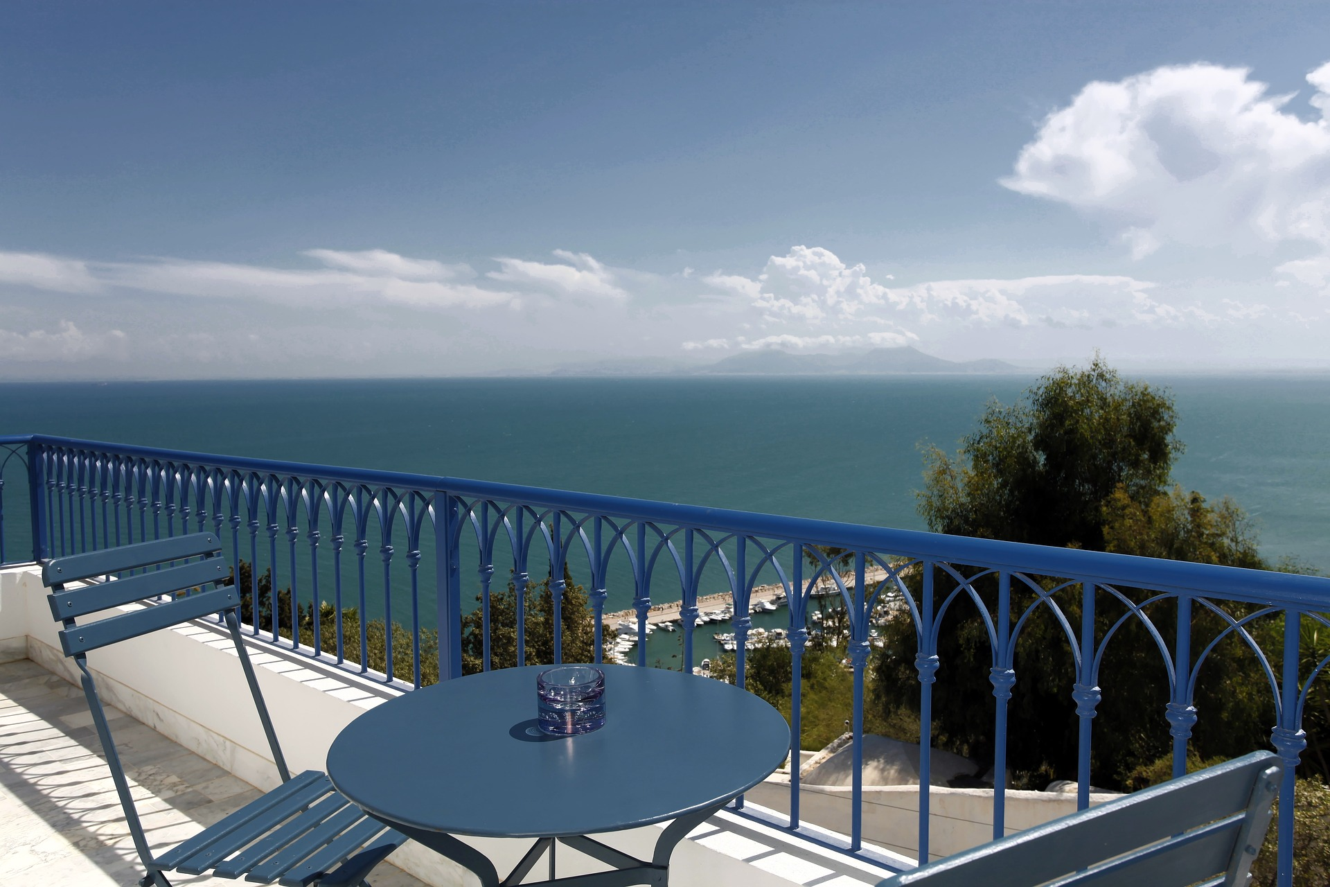 la-villa-bleue-Sidi-Bou-Said.jpg