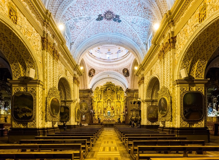 quito-ecuador-church-the-worship