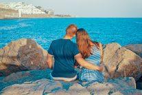 back-view-beach-couple-322088