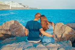 back-view-beach-couple-322088