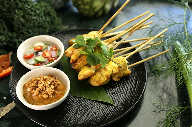 satay-chicken-3604856_640