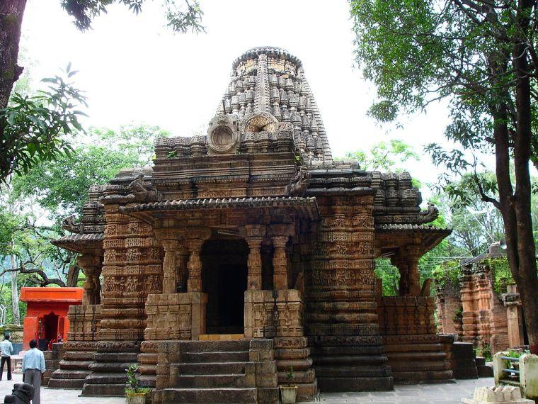 1024px-Bhoramdeo_Temple,_Kawardha