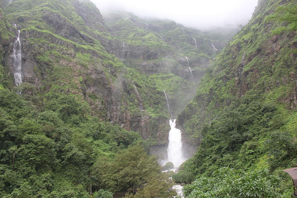 1024px-Marleshwar_Waterfall