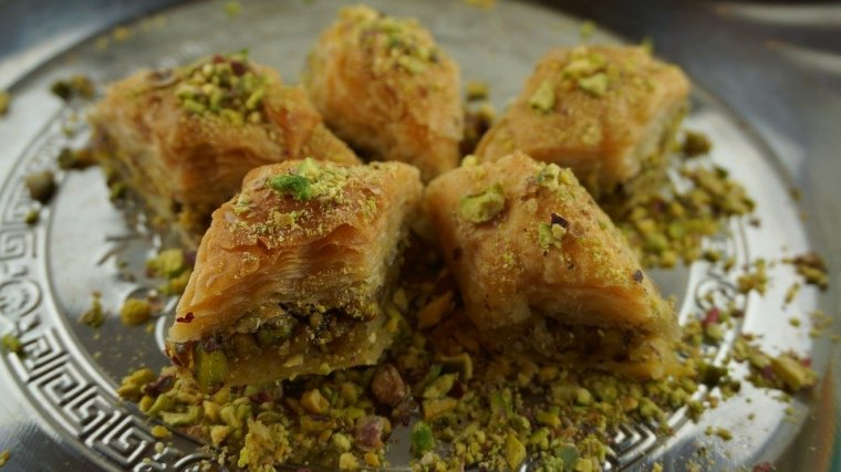 baklava-with-pistachios-4183180_960_720
