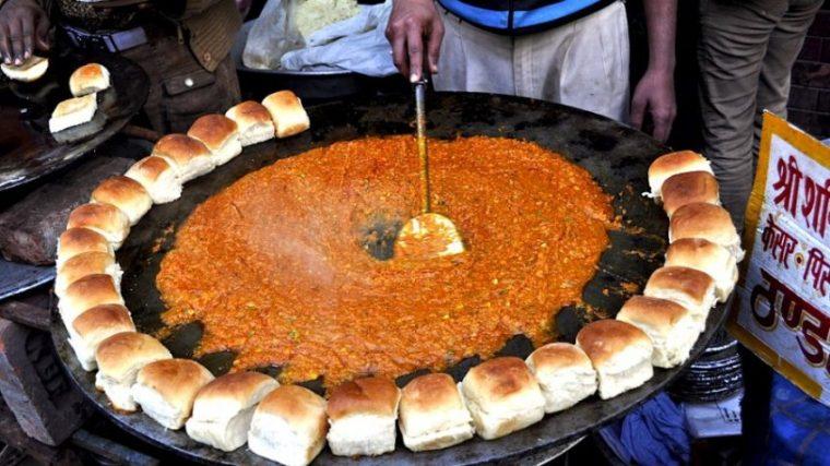 street-food-vada-pav