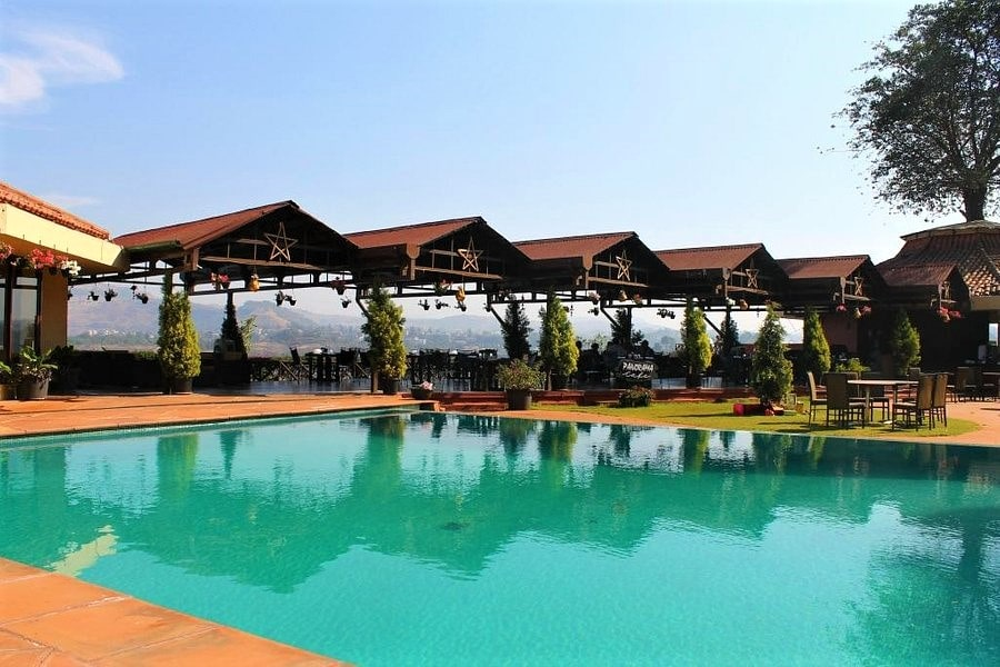 The Dukes Retreat, Khandala